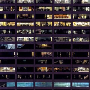 Rascacielos con oficinas.