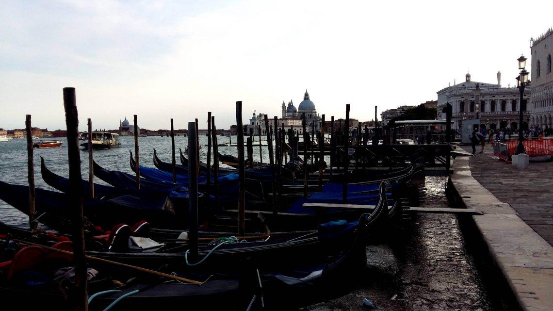 Venecia transporte gondolas