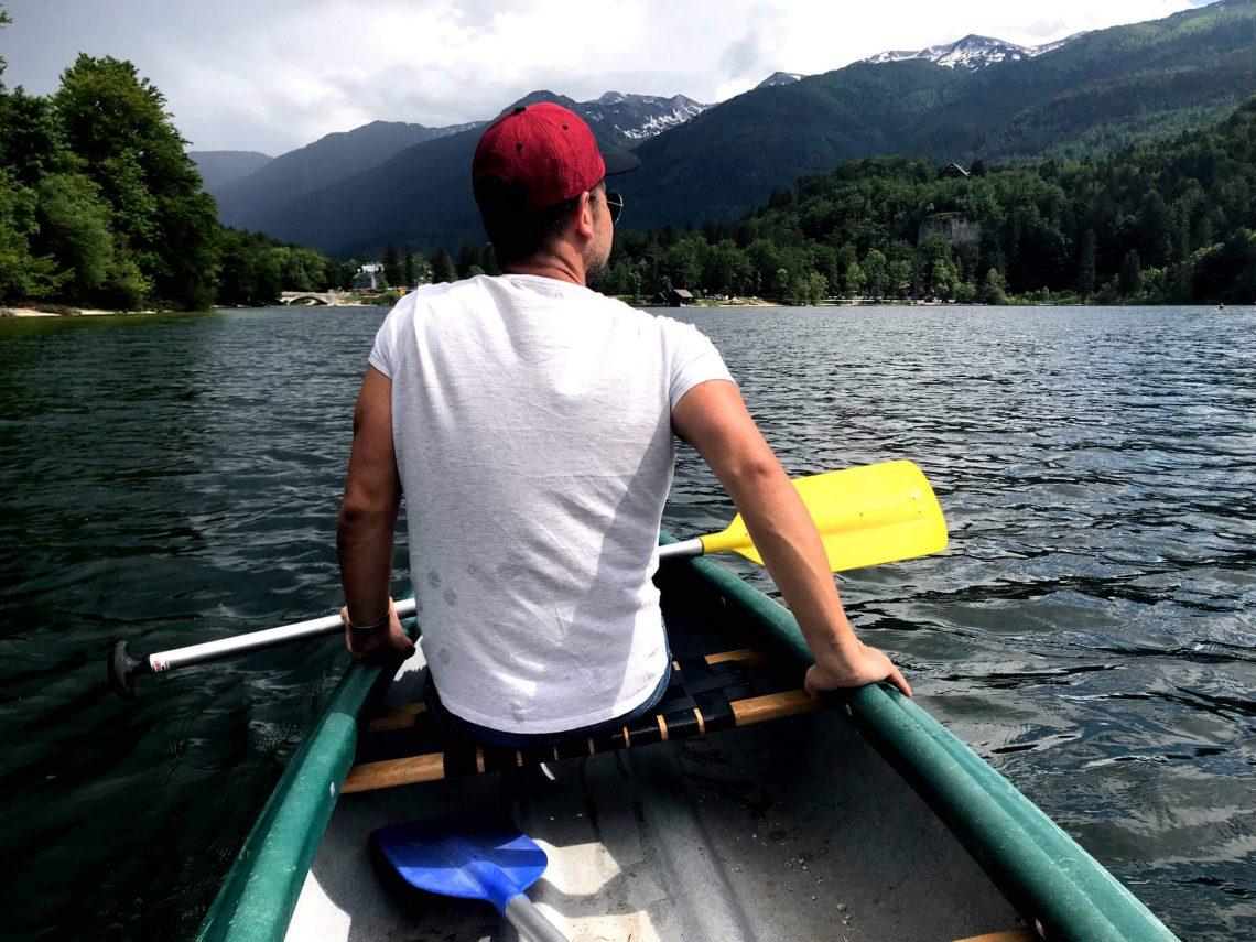 lago bohinj eslovenia kayak