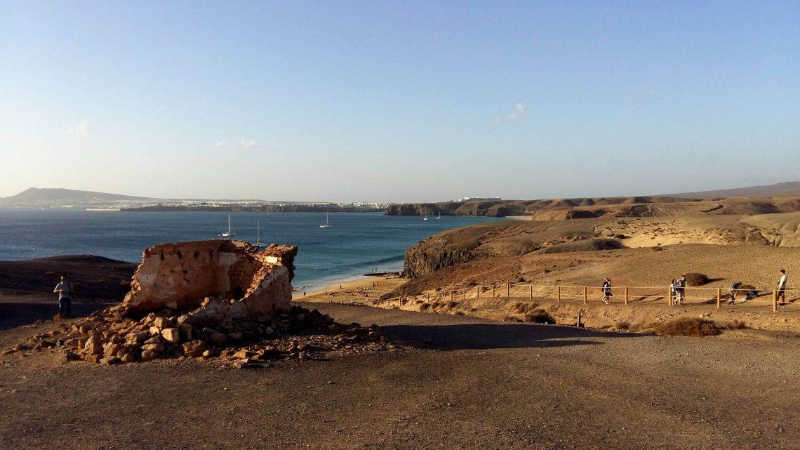 Zona de playas del Papagayo, junto a Playa Blanca.