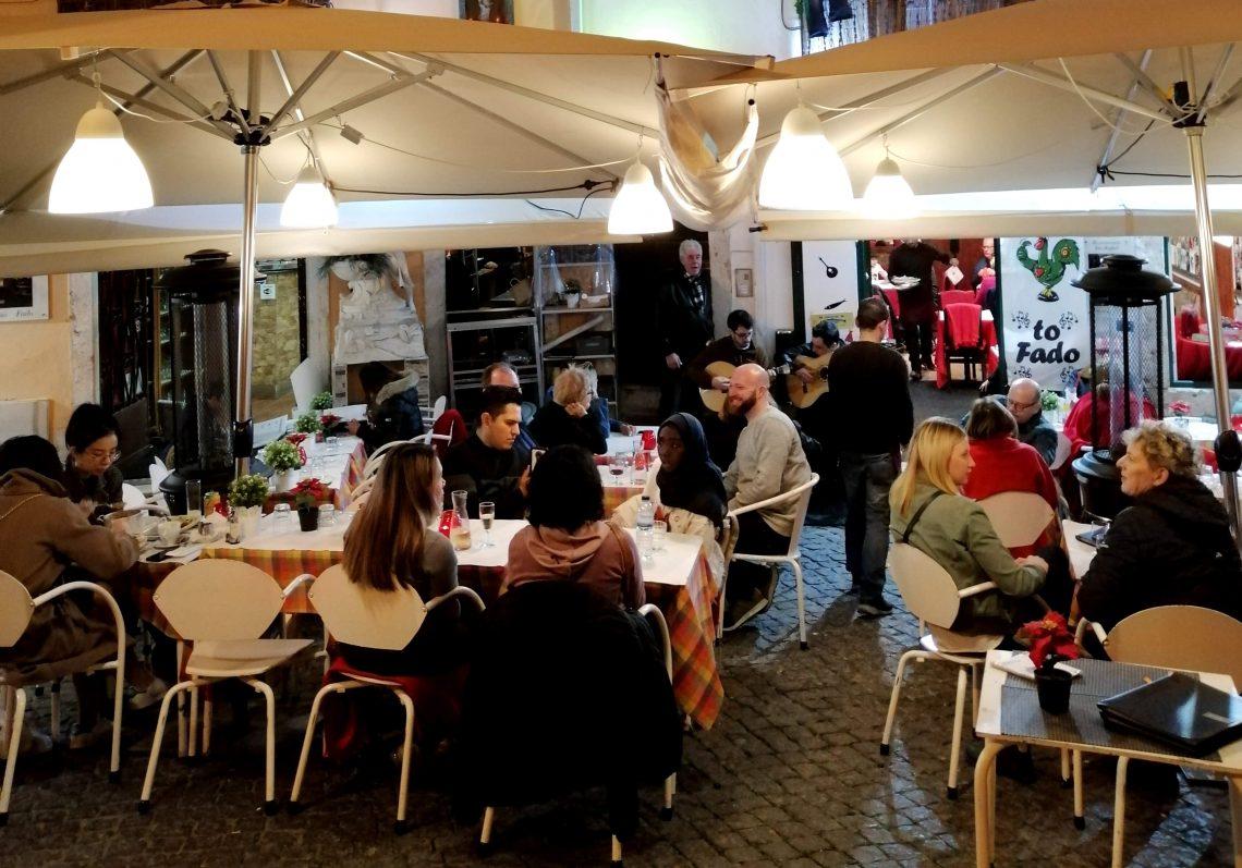 restaurantes con fado en Alfama