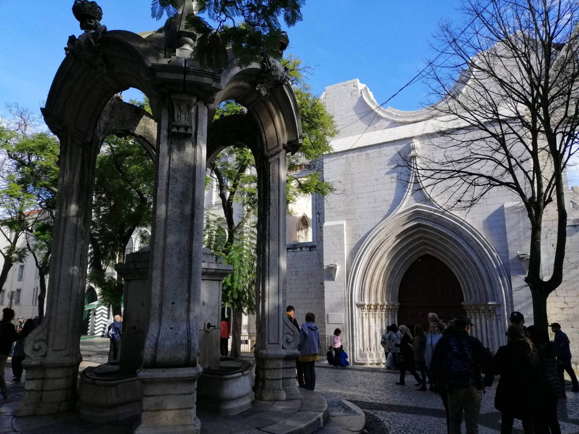 Plaza largo do Carmo.