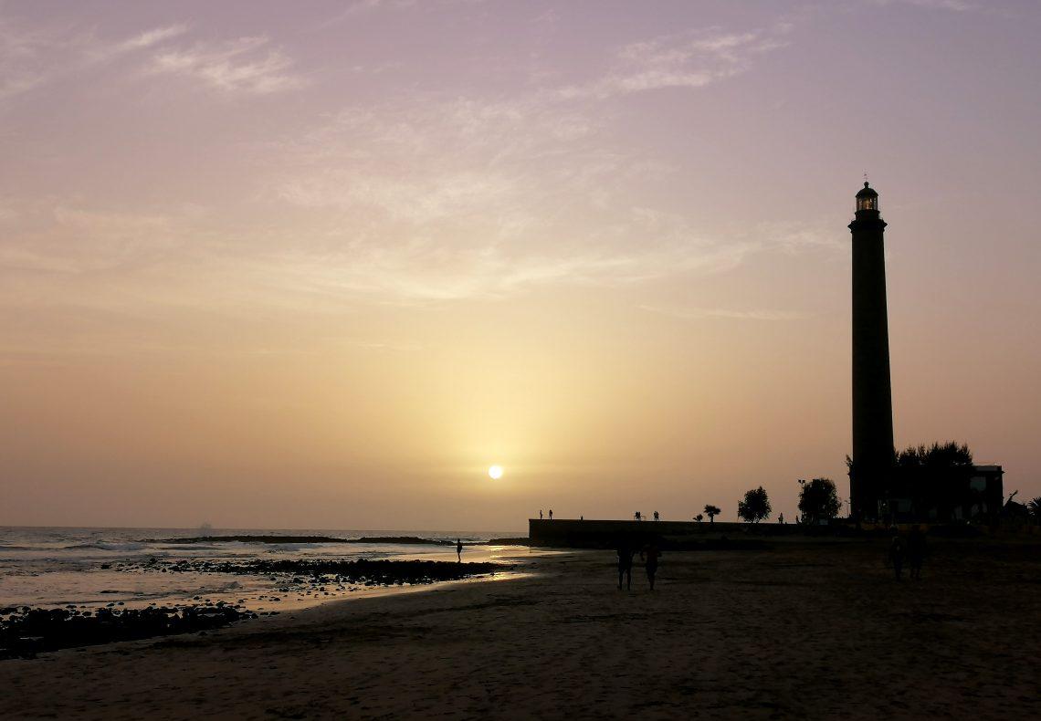 Atardecer en una de las mejores playas de Gran Canaria