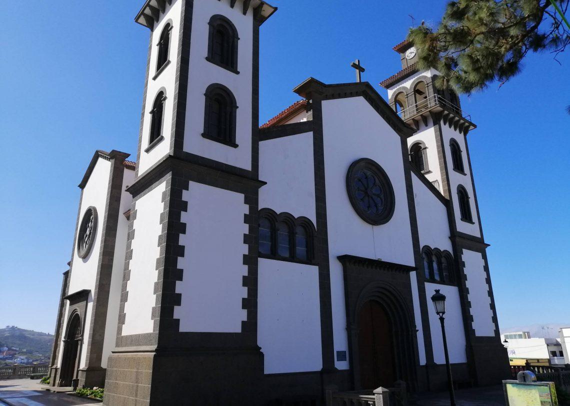 Iglesia de Moya